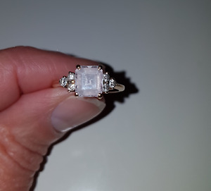 Beautiful 14k Gold Ring