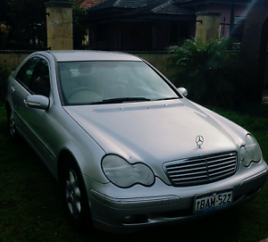 2001 Mercedes Benz C200 Kompressor Elegance sedan Kewdale Belmont Area Preview