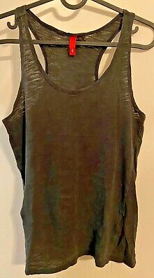 H&M Woman's Athletic Racerback Tank Top - Black - Size 6