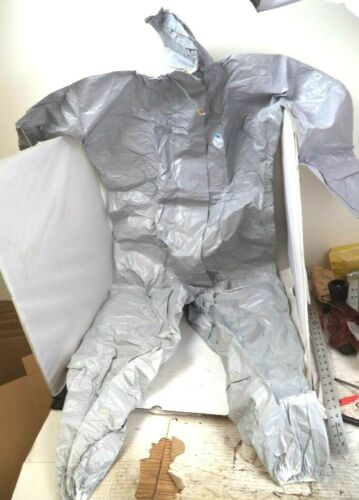 DuPont Tyvek Tychem F Disposable One-Piece Coverall (Size: L) pn TF-L