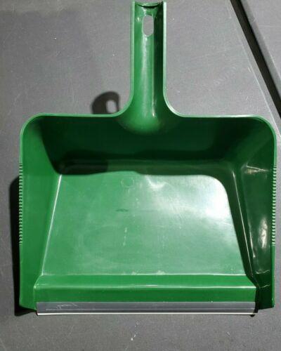 Hunter Green Jumbo Dust Pan