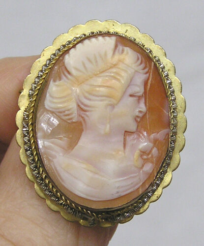 Vintage Jewelry Signed Shell Cameo Pin Lovely Lady