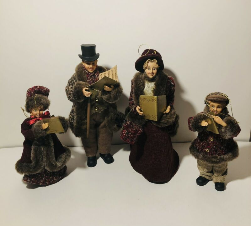 Christmas Carolers Family of 4 Dickens Victorian Figures