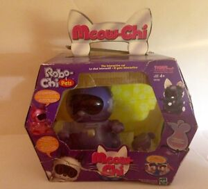 Robo-Chi Meow-Chi Virtual Cat made in  2000 MINT Condition
