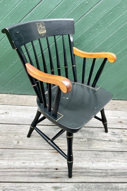 Nichols & Stone DARTMOUTH Black Windsor Traditional Captains Chair