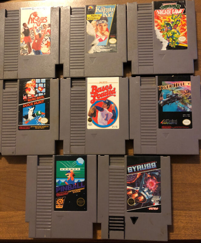Nintendo Entertainment System NES 8 Lot Game Bundle Mario Turtles Gyrus Games