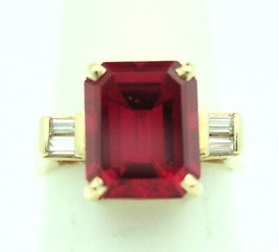 (CREATED RUBY SOLITAIRE & CUBIC ZIRCONIA RING SOLID 14 K GOLD 5.5 g SIZE 5.5)