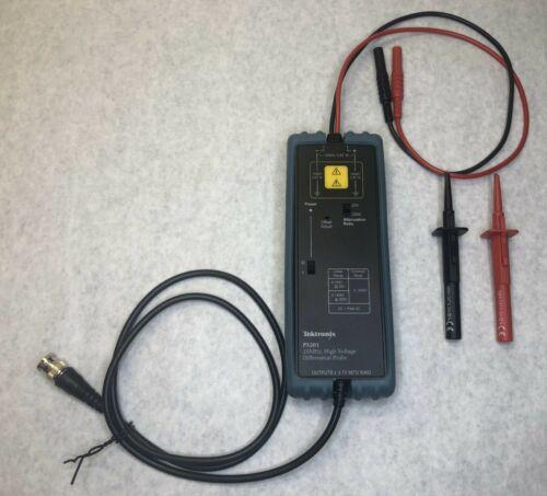 TESTED - Tektronix P5201 25MHz,1400V Differential Probe, 20X/200X Ranges - MINT