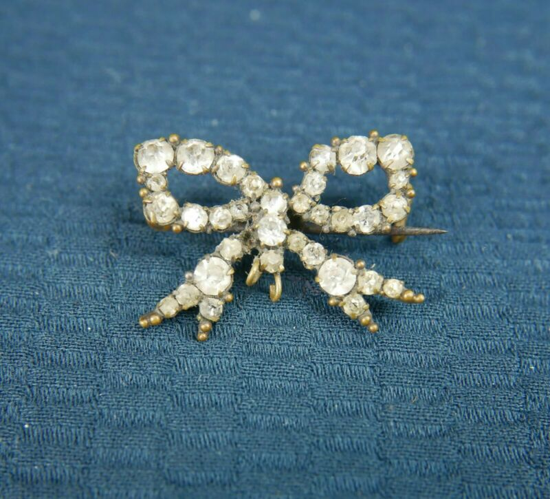 Adorable ANTIQUE paste set bow brooch, small Edwardian Victorian sparkling pin