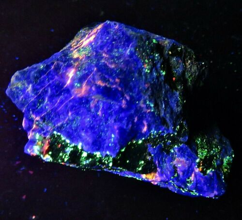 Franklin fluorescent : HARDYSTONITE , WILLEMITE, CALCITE  : Franklin, N.J.