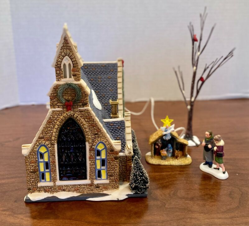 Dept 56 Church of the Holy Light Christmas in the City EUC 4 pcs
