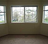 Clean Spacious Room for Rent - Martin Crossing