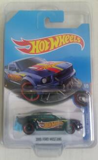 Hotwheels 2017 - 2005 Ford Mustang Super Treasure Hunt Armadale Armadale Area Preview