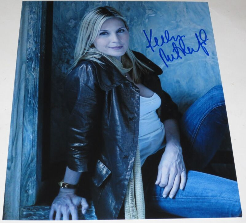 KELLY RUTHERFORD SIGNED 8X10 PHOTO AUTHENTIC AUTOGRAPH GOSSIP GIRL COA A