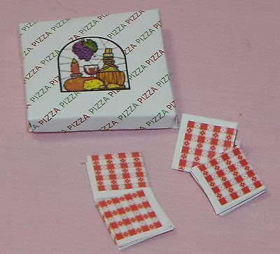 Dollhouse Miniature Pizza Box with 4 Napkins Minis 1:12 Scale