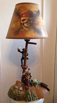 DISNEY PIRATES OF THE CARIBBEAN ANIMATED LAMP MUSICAL RARE! NEW CONDITION