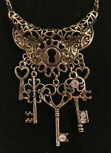 Victorian Style Vintage Bronze Lock Heart Keys Long Necklace Steampunk Styles