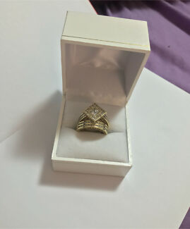 18k real gold set ring BRAND NEW