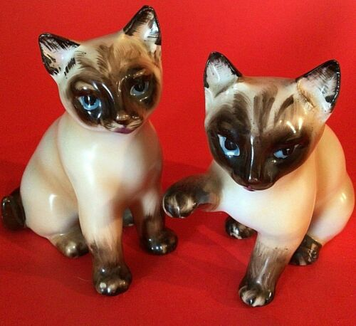 SIAMESE CAT FIGURINES PORCELAIN SET OF 2 JAPAN BLUE EYES VINTAGE