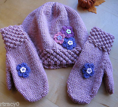 HAND KNITTED DUSKY PINK HAT AND MITTENS SET. Age 3-4 YEARS.