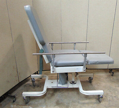 Biodex Medical Deluxe Ultrasound Table Model 056-605  Nice Condition - Sr338x