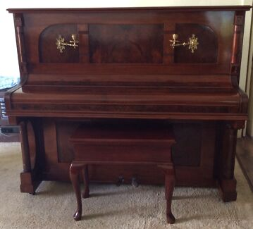 Piano upright and stool