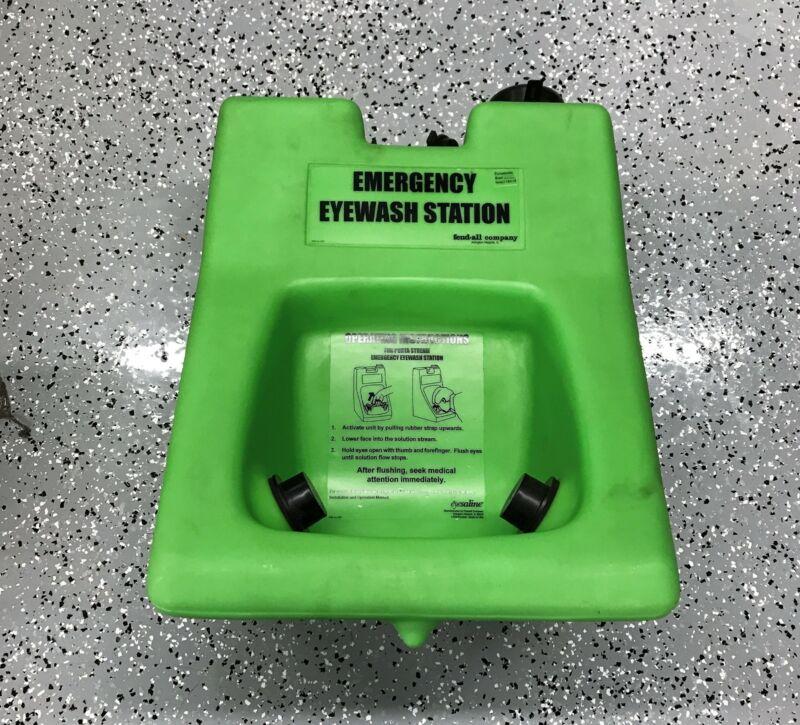 """Fendall """"Porta Stream II"""" Eyesaline Emergency Eye Wash Station 32-000200-000 NOS"""