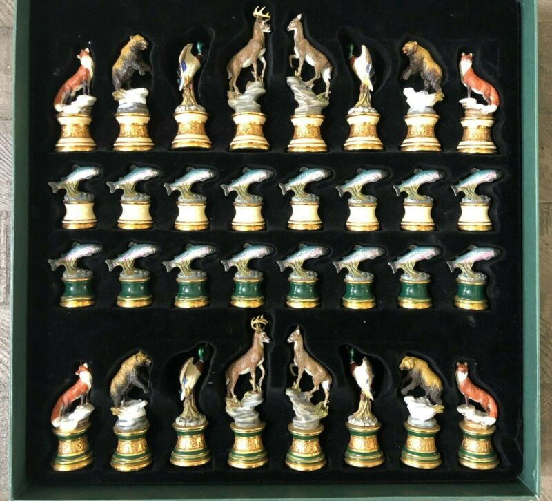 SPORTSMAN TROPHY CHESS SET PIECES issued by THE FRANKLIN MINT NIB