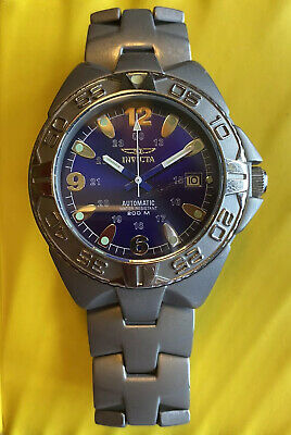 Vintage Invicta (before model numbers) 42 mm All Titanium 200 m Dive Watch