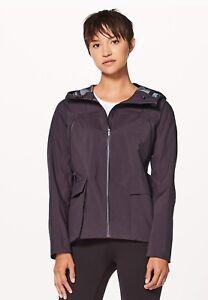 Lululemon rain jacket size 8