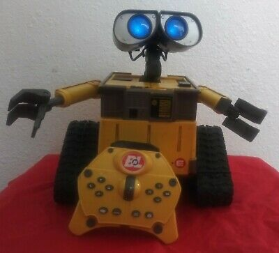 Disney Pixar Thinkway Toys U-Command Wall-E with remote (WORKS!!!)