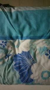 Double doona cover , doona , 2 pillowcases and 1 matching curtain Pagewood Botany Bay Area Preview