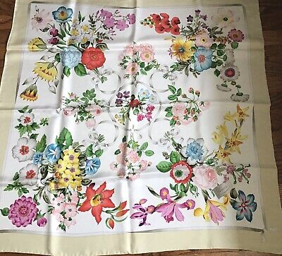 Vintage GUCCI Floral 100% Silk Square Scarf Made In Italy