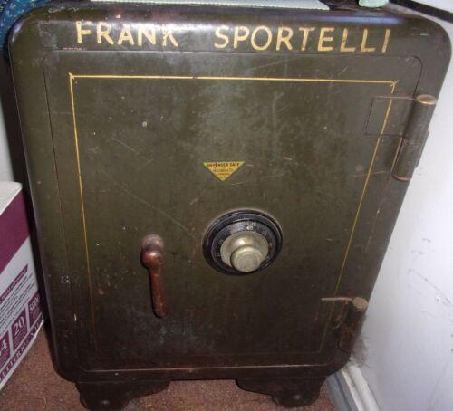 Antique DEFENDER Combination Floor Safe on Casters Hillsberg Co Syracuse NY