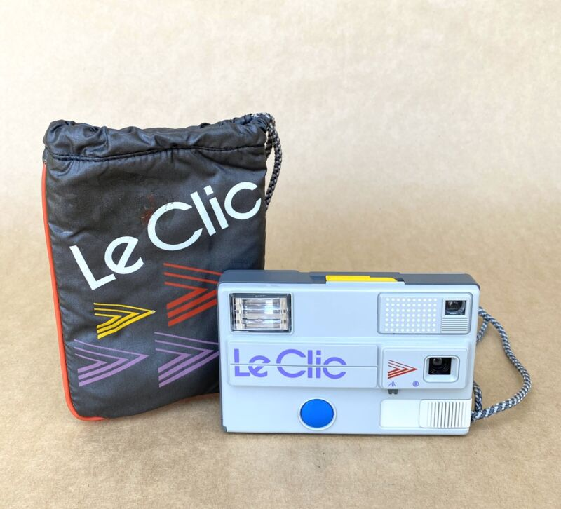 Le Clic Disc Film Camera GRAY W/ Original Camera Case VINTAGE