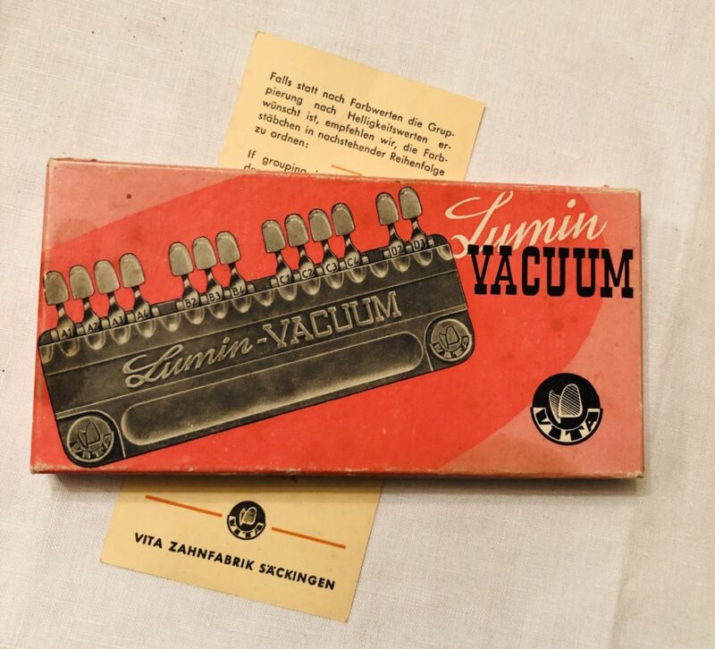 Vintage Vita Lumin Vacuum Dental Shade Guide Germany Scarce w/ Insert