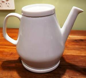 Country Road Teapot -  white china Richmond Yarra Area Preview