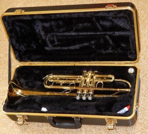 Bach TR300H2 Trumpet With Case And Mouthpiece Great Playing Condition #331653