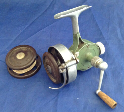 Vintage RECORD Half Bail Spinning Reel with Spare Spool - Switzerland