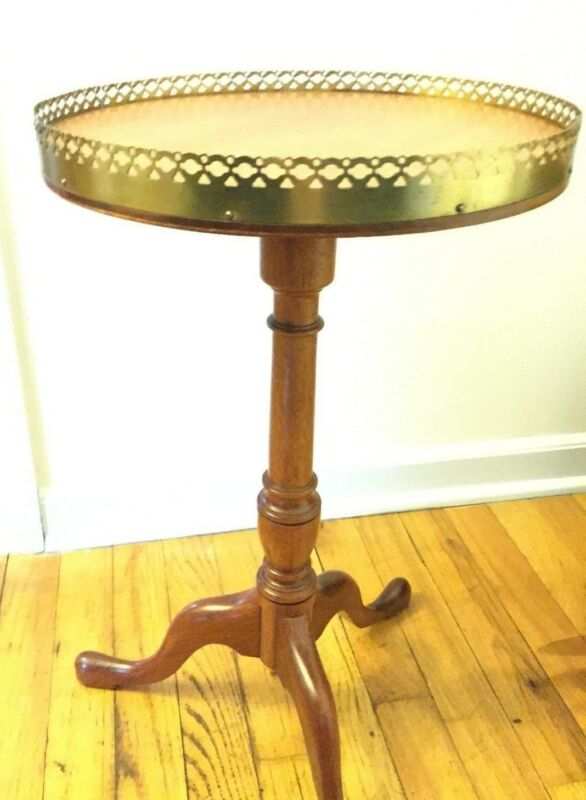 Antique Side Table-Queen Anne Legs SOLID round