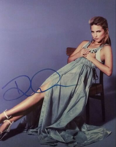 Dianna Agron signed 8 x 10