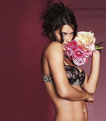 Adriana Lima Unsigned 8X10 Photo  40