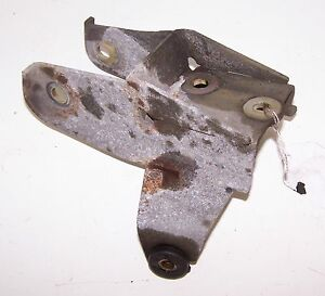 VOLVO-V40-S40-00-01-02-03-04-1-9T-ENGINE-MOTOR-FRONT-TRANSMISSION-MOUNT-BRACKET