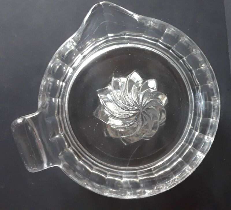"""Vintage Clear Glass Hand Juicer Reamer Tab Handle, Citrus Spout, 6"""" (Federal?)"""
