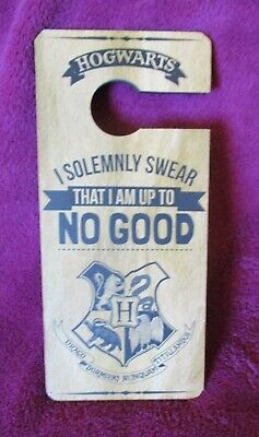 BNWT Harry Potter Hogwarts Door Hanging Sign - Christmas Gift - Stocking Filler