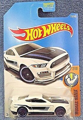 2017 Hot Wheels #213 Muscle Mania 2/10 FORD SHELBY GT350R White w/Black Pr5 Sp
