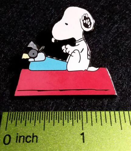 Snoopy an an Author at the Typewriter - Peanuts Pin