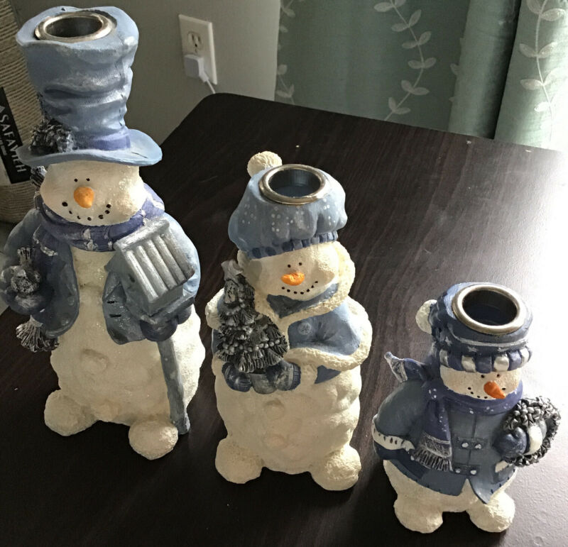 EUC Super Cute Blue & White Resin 3 Pc Snowmen Family Taper Candle Holder Lot
