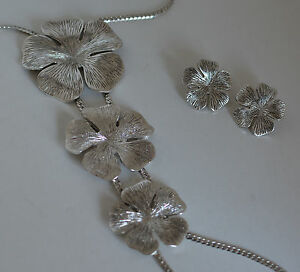 Necklace with flowers and matching earrings