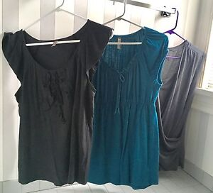 Maternity clothes lot size medium